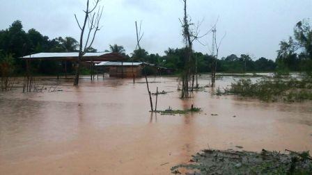 Inundaciones-siguen-causando-estragos