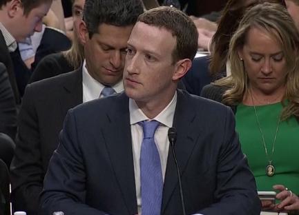 Zuckerberg-le-dice-al-Congreso-de-Estados-Unidos--es-mi-error,-lo-siento-