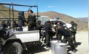 Mas-de-1000-policias-realizan-controles-en-Huanuni-para-evitar-el-robo-de-minerales