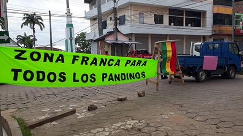 Cobija-esta-paralizada-por-protestas-contra-ley-que-encareceria-comercio