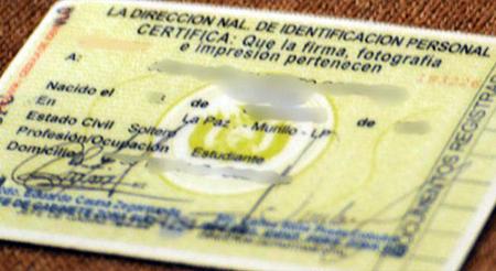 El-ministro-Romero-evalua-plantear-al-legislativo-retirar-del-carne-de-identidad-el-estado-civil-y-la-profesion-