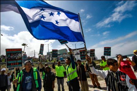 Caravana-de-inmigrantes-pide-asilo-en-Tijuana
