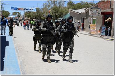 Comando-ordena-replegar-los-policias-que-enviaron-a-San-Borja