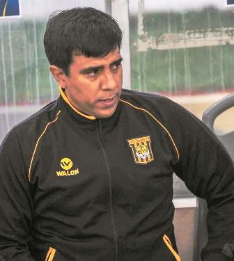 Cesar-Farias-elegido-como-DT-para-los-amistosos