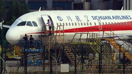 Un-piloto-chino-sobrevive-a-un-accidente-a-10-mil-metros-de-altura