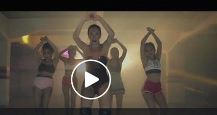 Vanessa-Anez-luce-sensual-en-su-nuevo-video