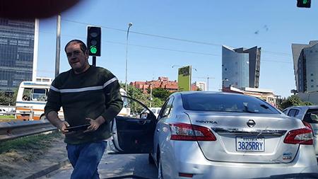 Conductor-agrede-a-una-mujer-luego-de-impedir-el-paso-en-una-calle-(actualizada)