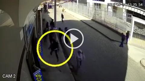 Video-muestra-que-Jonathan-Quispe-no-fue-herido-cerca-a-una-pasarela