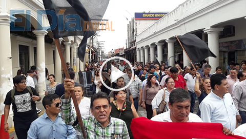 La-UAGRM-marcha-en-repudio-a-la-violenta-represion-a-estudiantes-de-la-UPEA
