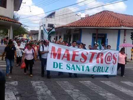 Maestros-de-Santa-Cruz-se-declaran-en-emergencia-en-demanda-de-mas-items