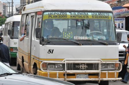 Transporte-publico-bloquea-la-ciudad