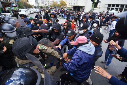 Endurecen-las-movilizaciones-en-La-Paz