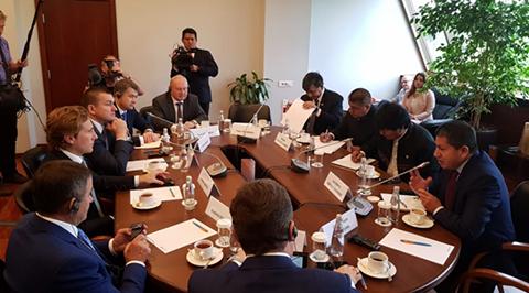 Bolivia-firma-acuerdos-por-$us-1.220-millones-con-Gazprom-y-venta-de-gas-a-Acron