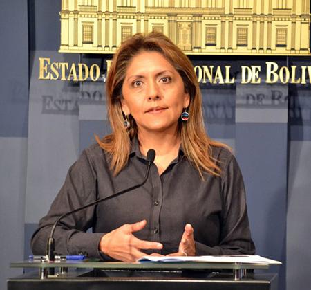 """Ministra-Lopez-acusa-al-diario-chileno-""""El-Mercurio""""-de-amplificar-campana-de-mentiras"""