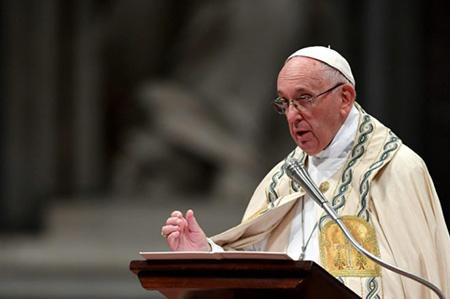 El-papa-Francisco-acepto-la-renuncia-de-otros-dos-obispos-chilenos