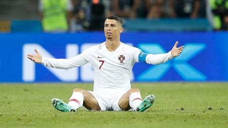 Hinchan-uruguayos-presionaron-a-Ronaldo-cantando-en-su-contra