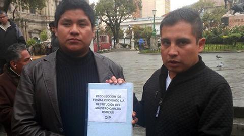 Colectivos-recolectan-firmas-para-destitucion-de-Romero