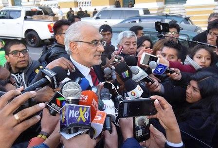 Carlos-Mesa-entre-el-juicio-de-Quiborax-y-el-21F
