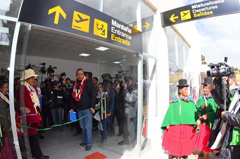 Evo-inaugura-el-Aeropuerto--Tito-Yupanqui--en-Copacabana-para--fomentar-el-turismo-
