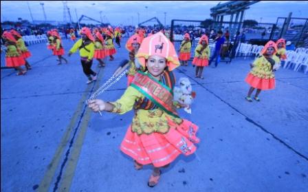 Mas-de-600-mil-residentes-pacenos,-festejaran-su-dia-en-Santa-Cruz