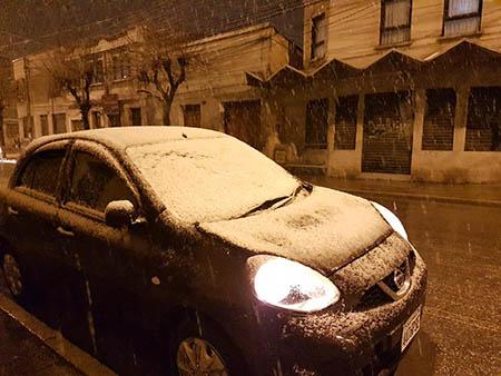 Intensa-nevada-cubre-de-blanco-la-ciudad-de-Oruro