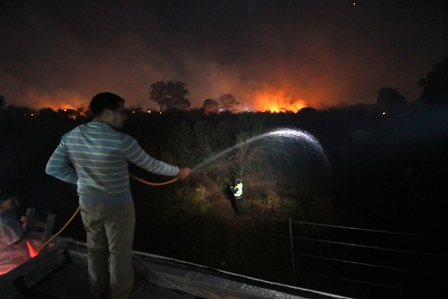 Declaran-alerta-naranja-,-incendios-se-centran-en-area-metropolitana