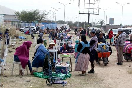 Unos-800-ambulantes-toman-por-varios-dias-espacio-cerca-a-nuevo-mercado