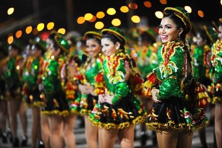 Tradicion-Pacena-en-las-calles-de-Santa-Cruz