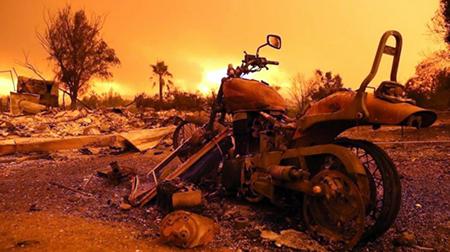 Mas-de-38.000-evacuados-en-el-incendio-de-California