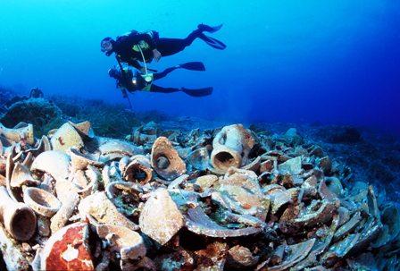 Bajo-agua,-dan-taller-de-arqueologia-subacuatica