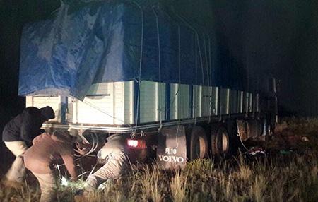 """-Detienen-a-tres-""""paracaidistas""""-en-la-carretera-Cochabamba-–-Oruro"""