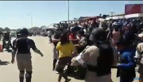 Enfrentamientos-entre-gendarmes-y-comerciantes-deja-13-detenidos-en-el-Plan