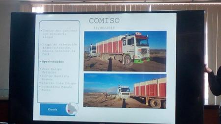 -Aduana-Nacional-incauta-3-camiones-y-detiene-a-4-personas-en-Charana