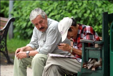 Normas-protegen-al-adulto-mayor-y-penaliza-a-quienes-los-maltraten-o-abandonen