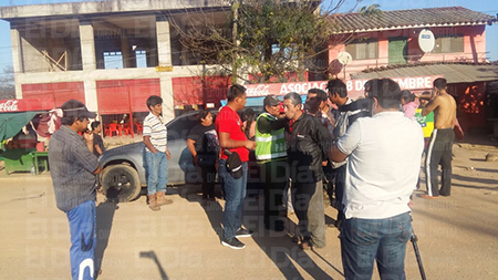 Pobladores-de-Samaipata-intentan-linchar-a-policias-de-Diprove