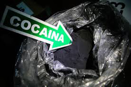 -Cae-boliviano-con--cocaina-negra--en-aeropuerto-de-Brasil