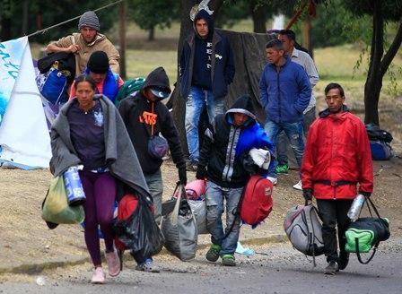 Peru-y-Ecuador-limitan-ingreso-de-venezolanos