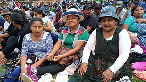 Las-mujeres-de-La-Asunta-deciden-emprender-marcha-hacia-La-Paz