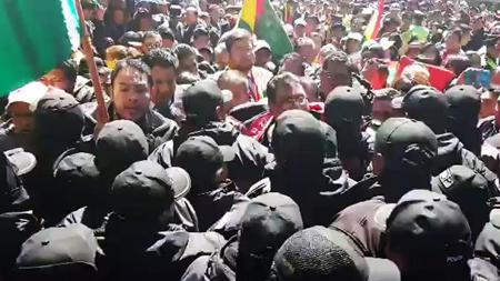 Incidentes-entre-la-Policia-y-Samuel,-denuncia-gasificacion