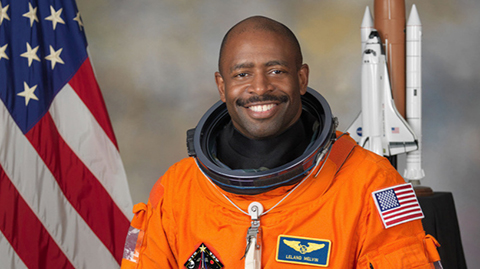 Un-astronauta-de-la-NASA-afirma-que-vio-una-posible-criatura-en-el-espacio-