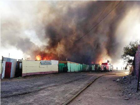 Bolivianos-entre-los-afectados-por-un-incendio