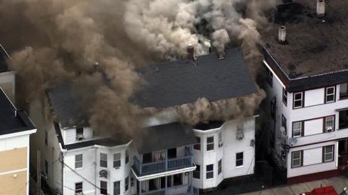 39-casas-en-llamas-tras-explosiones-de-gas-en-Massachusetts