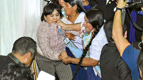 -Violencia-politica-empana-la-efemeride-de-Cochabamba