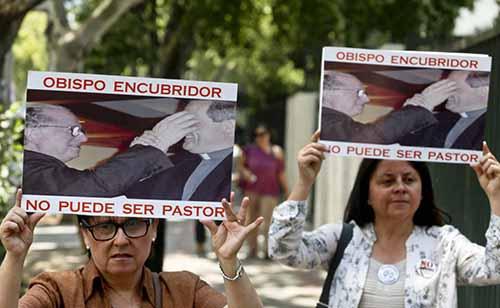 El-Papa-expulsa-del-sacerdocio-al-cura-chileno-Fernando-Karadima,-condenado-por-abusos-sexuales