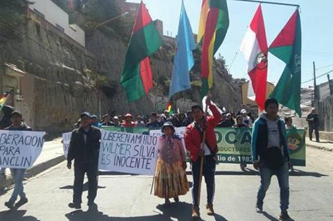 Cocaleros-de-Los-Yungas-marchan-exigiendo-la-libertad-de-sus-dirigentes