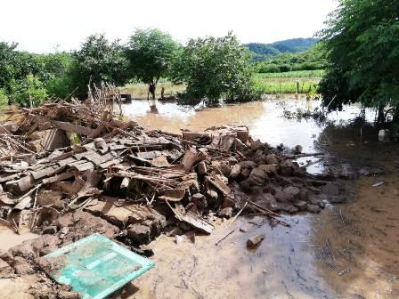 Lluvia-y-desborde-de-rios-ponen-en-emergencia-a-varios-municipios-en-el-pais
