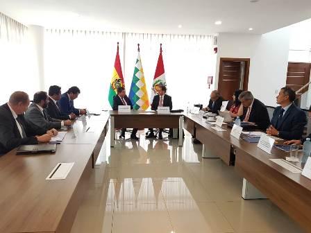 Bolivia-y-Peru-analizan-construir-ducto-por-Ilo
