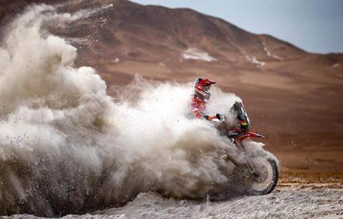 Daniel-Nosiglia-recupera-puestos-en-el-Dakar