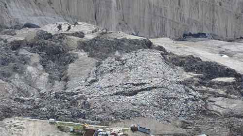 -Gobierno-declara-desastre-ambiental-y-alerta-sanitaria-por-Alpacoma