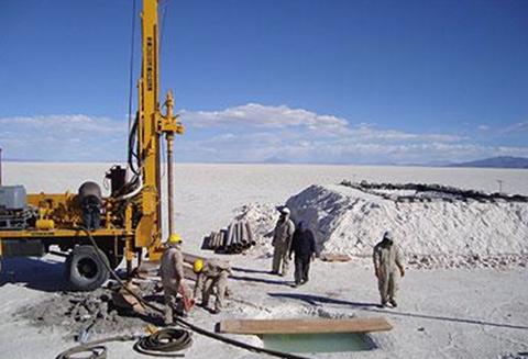 Reservas-de-litio-del-Salar-de-Uyuni-llegan-a-21-millones-de-toneladas